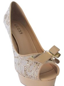 Guess GOLD/BEIGE/WHITE Pumps