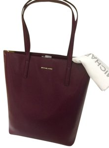 Michael Kors Emry Mk Leather Strap Tote in Plum