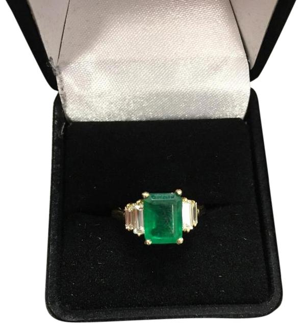 Green Emerald and Diamond 18k Gold Ring Green Emerald and Diamond 18k Gold Ring Image 1