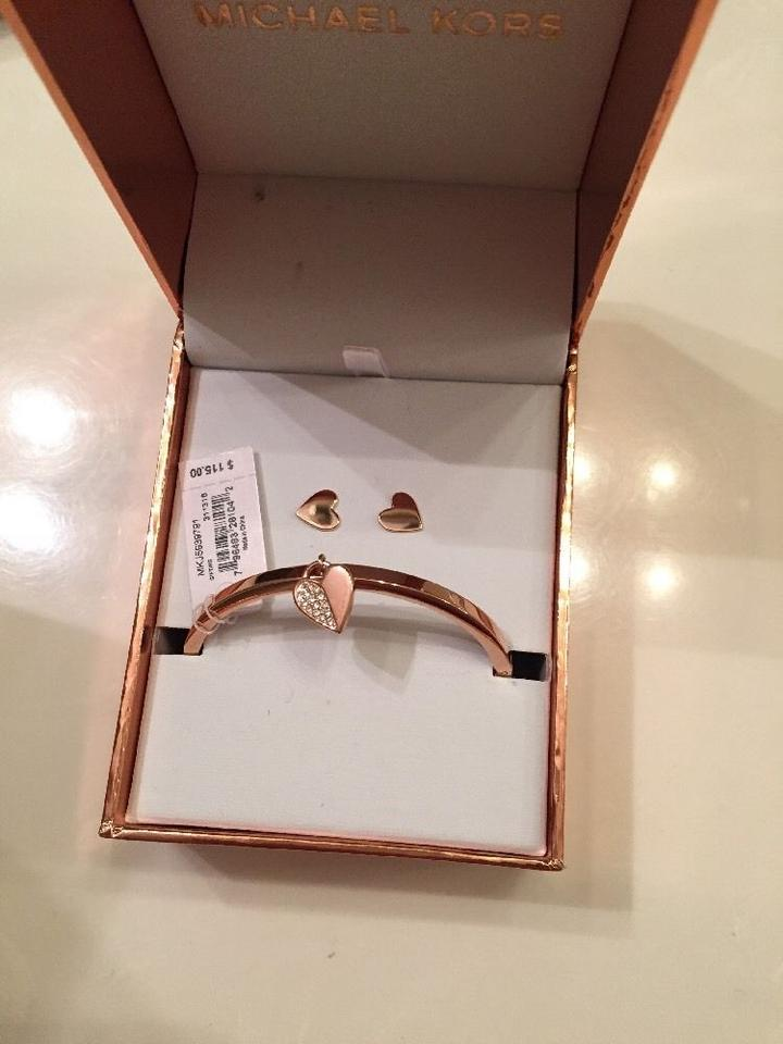 b7bdba904f57 Michael Kors ROSE GOLD STUD EARRINGS   CRYSTALS PAVE HEART NECKLACE SET GIFT  Image 3. 1234