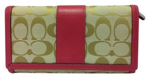 Coach F51767 Park Signature Checkbook Wallet Light Khaki/Strawberry