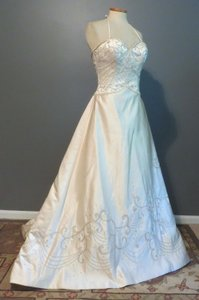 DaVinci Bridal Unknown Wedding Dress