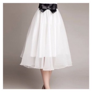 Other Skirt White And Black Bow