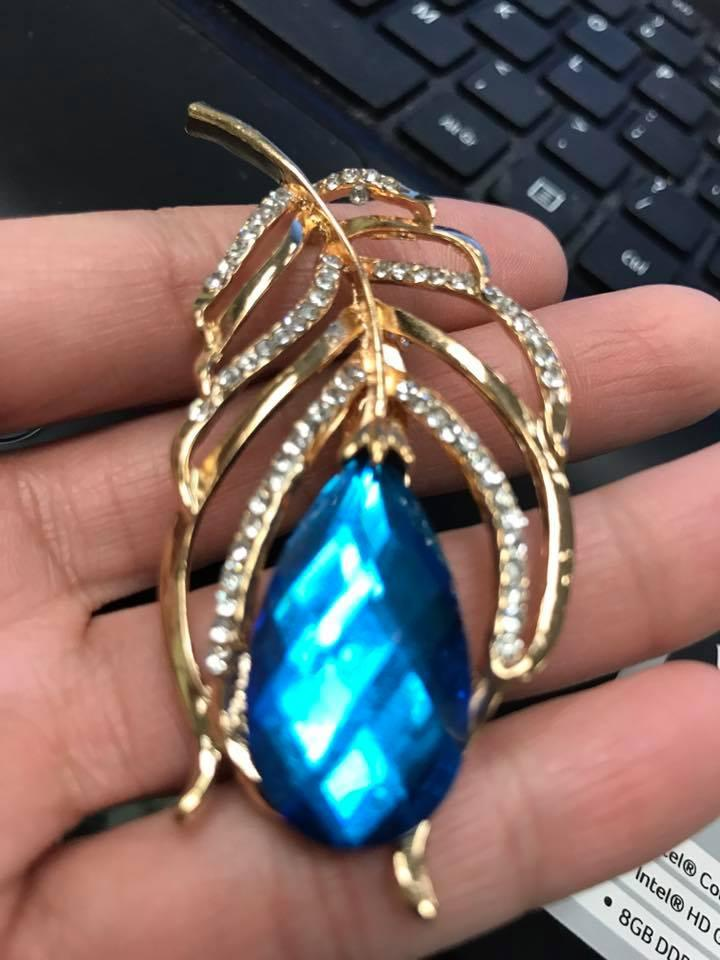 Gold/Blue Stone Vintage Brooch High End Brooches