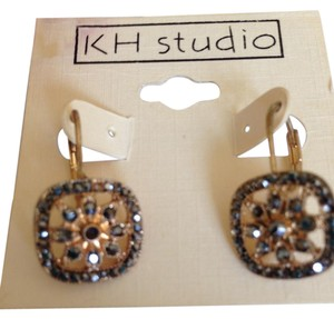KH Studio Dangle earrings gold-tone w/black stones