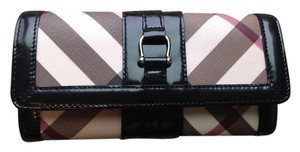 Burberry NWOT Burberry supernova check long wallet