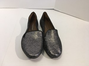 Donald J. Pliner Pebbled Pattern Lining Soles Silver and black embossed all leather padded insoles Flats