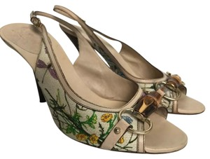 Gucci flora Pumps