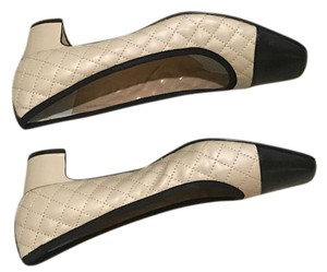 Neiman Marcus Dressy Or Casual Toes Large Dots Black and white Pumps