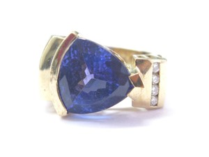 Other Fine Gem Tanzanite Trillion Cut & Diamond Yellow Gold Ring AAAA 8.74Ct