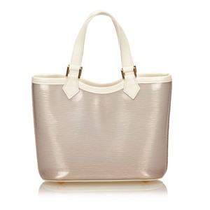 Louis Vuitton 7blvhb047 Tote in White