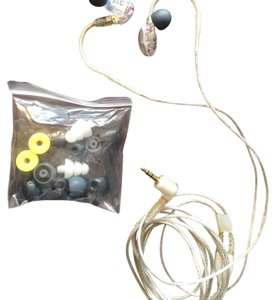 Shure Shure SE315 Sound-Isolating In-Ear Stereo Earphones with High-Def MicroDrivers & Tuned BassPorts, Clear