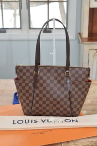 Louis Vuitton Lv Damier Totally Lv Totally Mm Shoulder Bag