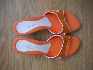 Kenneth Cole Reaction orange Mules