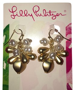 Lilly Pulitzer pearl dangle earrings