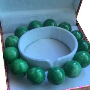 A Grade Jade Large Green Beaded Bracelet
