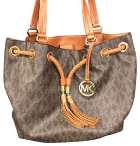 a939739d1ba9 Michael Kors Hobo Bags - Up to 70% off at Tradesy