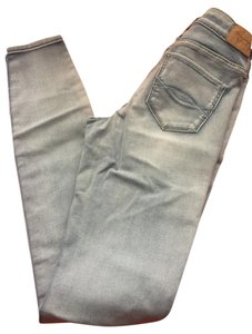 Abercrombie & Fitch Skinny Jeans-Light Wash
