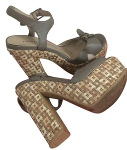 Chinese Laundry Chunky Heel Tan & Woven Pumps