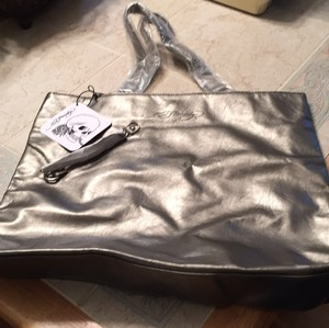 Ed Hardy Tote in pewter/silver
