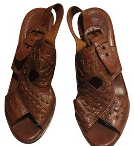 Frye chestnut brown Wedges