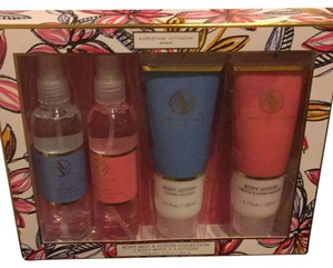 Adrienne Vittadini Adrienne Vittadini Gift Set includes 2 Body Mists and 2 Lotions