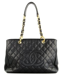 b1e00061fe0d Chanel Black Tote Bags - Up to 70% off at Tradesy