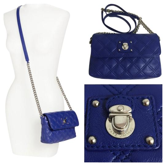 Preload https://item1.tradesy.com/images/marc-jacobs-quilted-single-bright-blue-leather-cross-body-bag-2096780-0-0.jpg?width=440&height=440