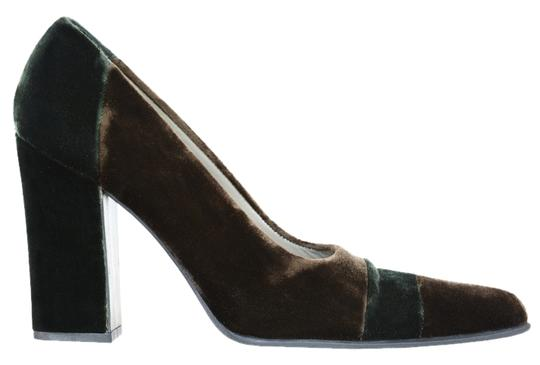 Preload https://img-static.tradesy.com/item/2096810/prada-brown-color-block-green-velvet-pumps-size-us-65-regular-m-b-0-0-540-540.jpg
