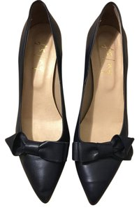 French Sole Leather Bow Navy Pumps