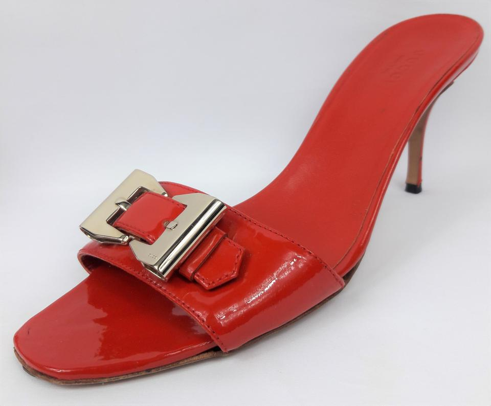 d51224ca79d Gucci Red Patent Leather Heel W  Gold-toned Metal Bow Mules Slides ...