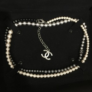 Chanel Chanel Bi-color Pearl Necklace