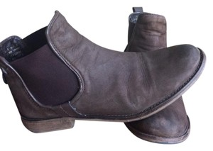 Steve Madden Leather Chelsea brown Boots