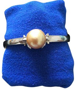Other Natural South Sea Pearl in sterling bangle