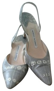 Manolo Blahnik Beige/gray Pumps