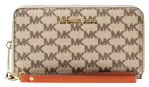 Michael Kors Michael Kors Jet SET Large Flat MF Phone Case Logo Wristlet Wallet