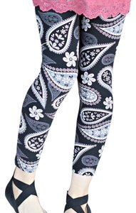 Other Buttery Soft Shay And Jazzy Yoga Black & White Paisley Leggings