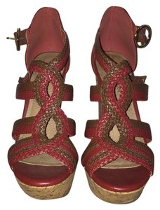 BCBGeneration red, brown Platforms