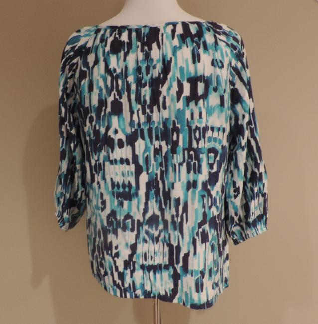 Tommy Bahama Top Blue and White