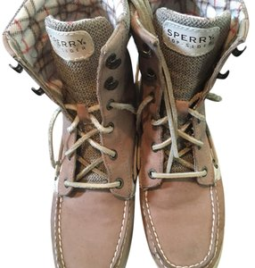 Sperry tan Boots