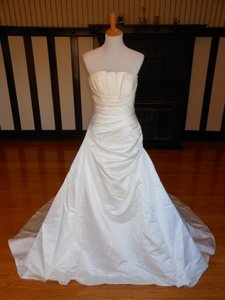 Pronovias Ivory Satin Joya Destination Wedding Dress Size 10 (M)