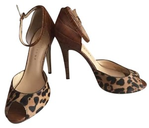 Ivanka Trump Tan & Leopard print Pumps