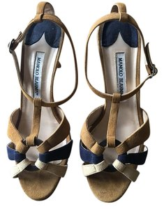 Manolo Blahnik brown & navy Pumps