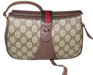 Gucci Mint Vintage Great For Travel Accessory Col Multiple Comparment Cross Body Bag