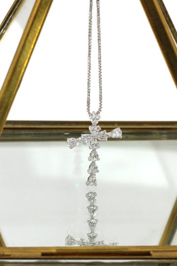 Ocean Fashion Crystal cross silver necklace Image 1