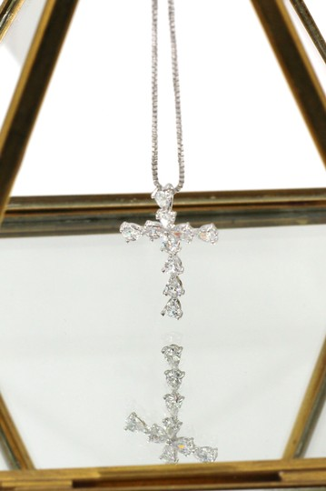 Ocean Fashion Crystal cross silver necklace Image 3