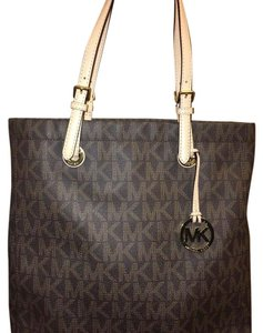 36cf19f726a7c1 Michael Kors Nwot Large Mk Jet Set Khaki/Light Brown/Mahogany/Gold ...