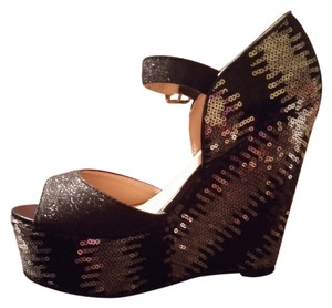 C. Label Mox-5 GLITTER AND SEQUINS Wedges