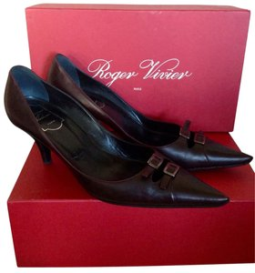 Roger Vivier Brown Pumps