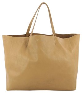 Céline Leather Tote in camel brown